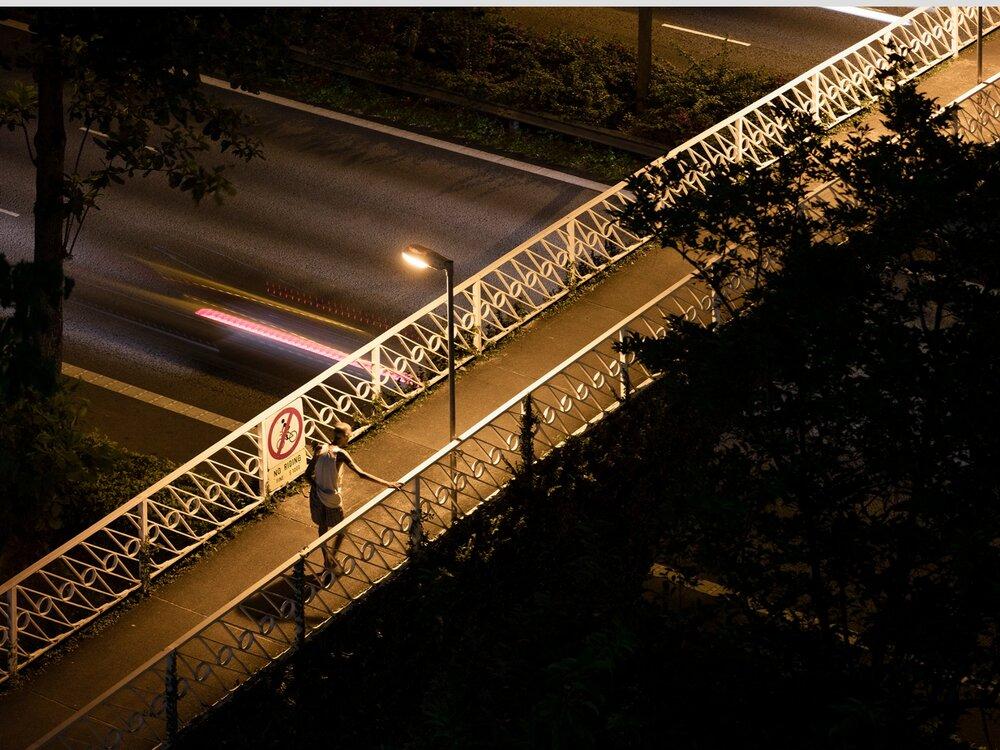 Overhead Bridge in Bedok, Singapore / ©DWKM