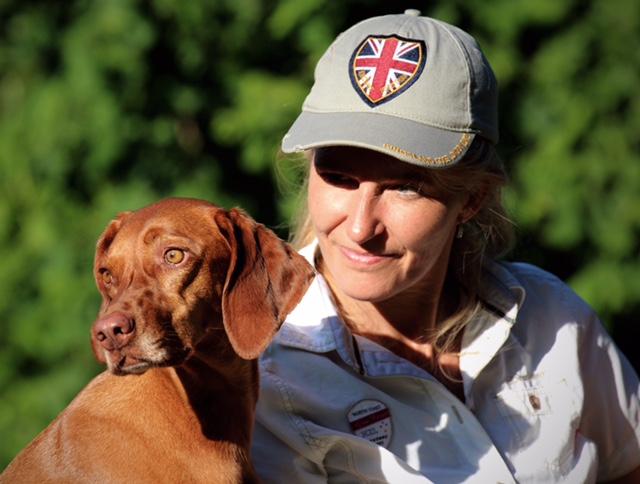 Andrea Rothgang mit ihrem Hund Lia
