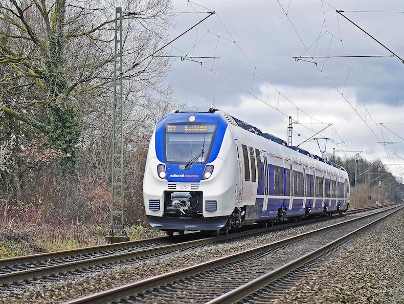 railway-1972338_1920.jpg