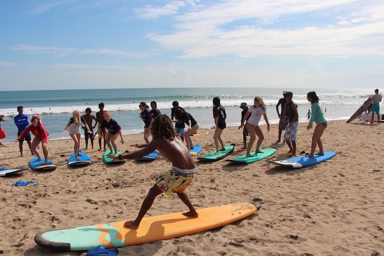 Kuta Surfing4.JPG