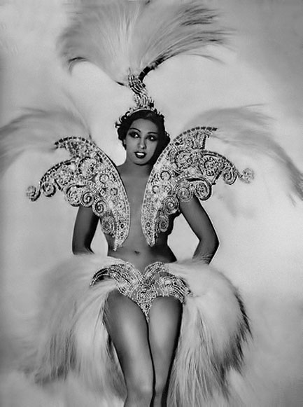 Josephine-Baker-in-costume.jpg