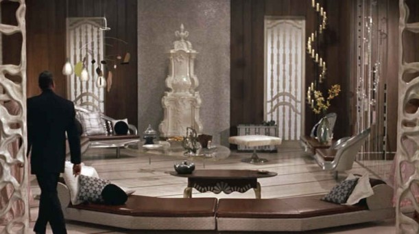 interior-design-movie-set-auntie-mame