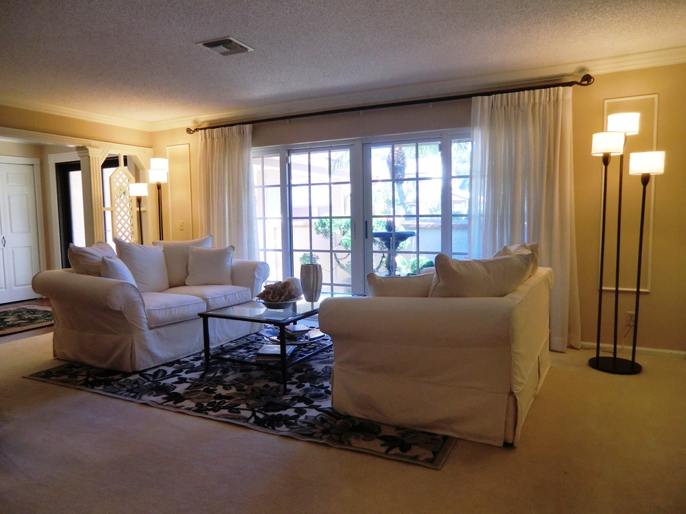 Transitional Living Room ...