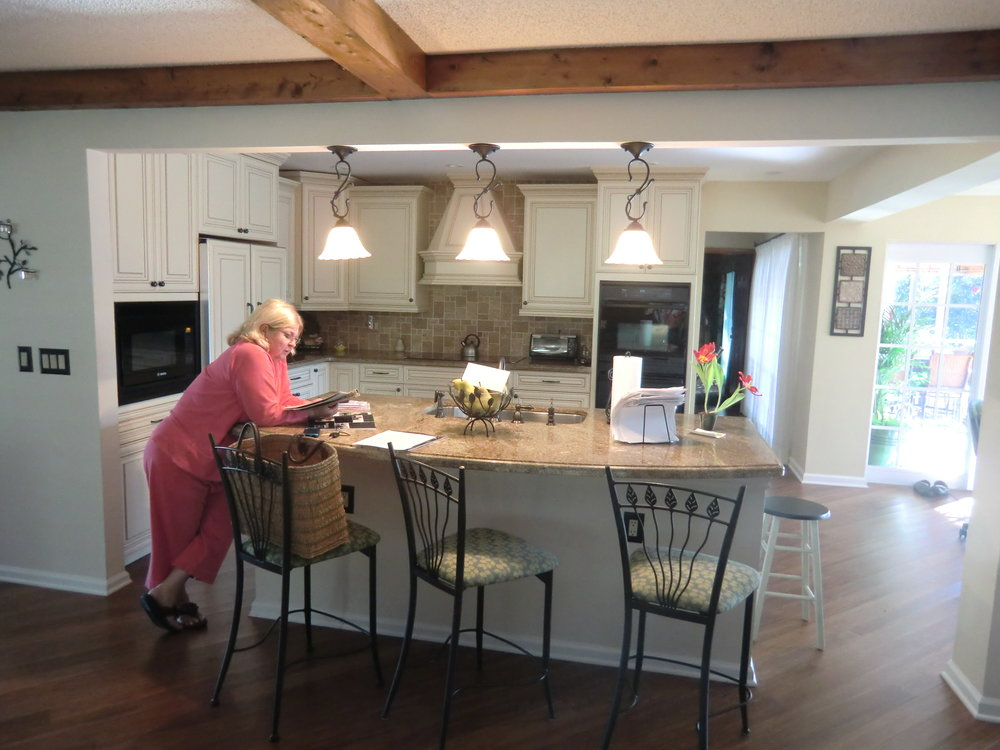 Traditional-custom-cabinets-kitchen-remodel-before.jpg