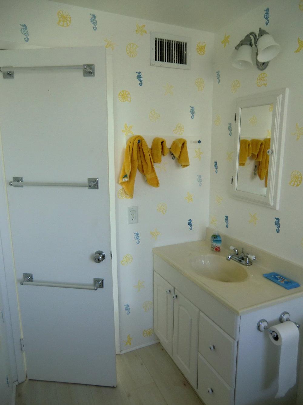 beach-bathroom-before-ocean-reef-club.JPG