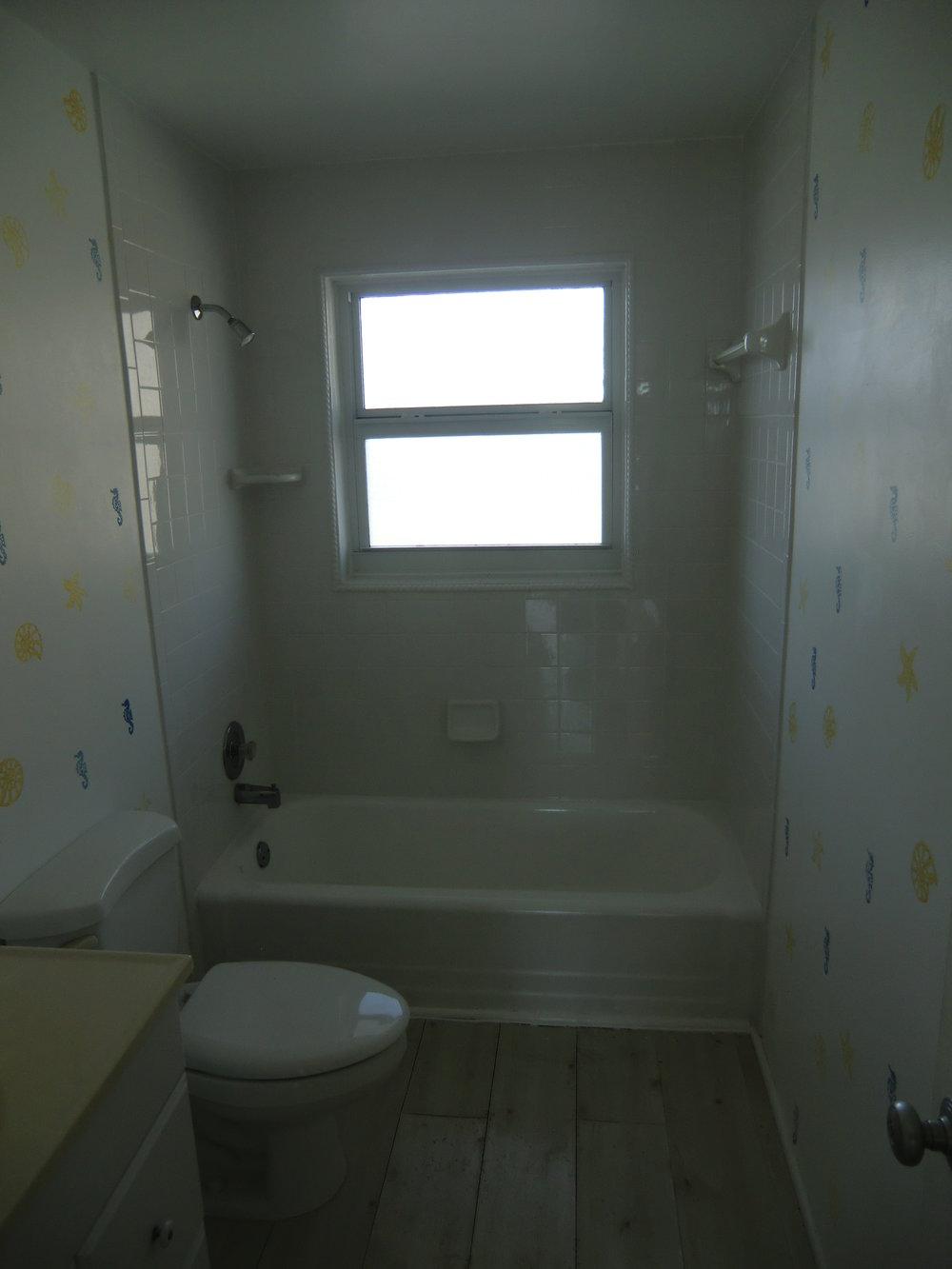 beach-bathroom-remodel-before.jpeg