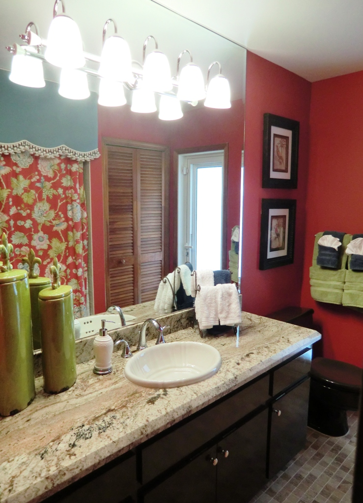 Mizner Country Club tropical red guest bath
