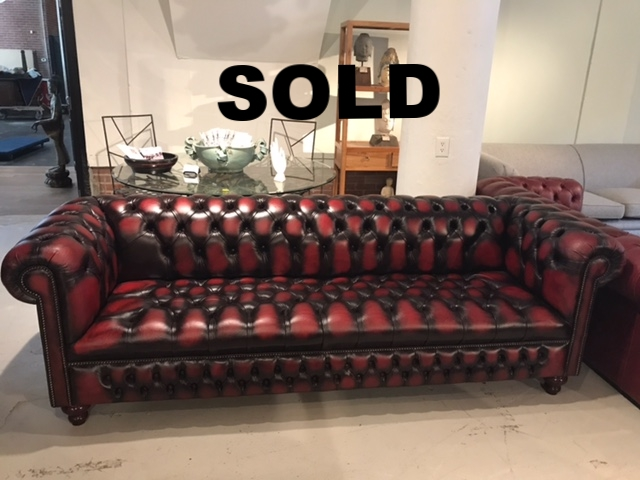 Windsor 4 Seater in Antique Red