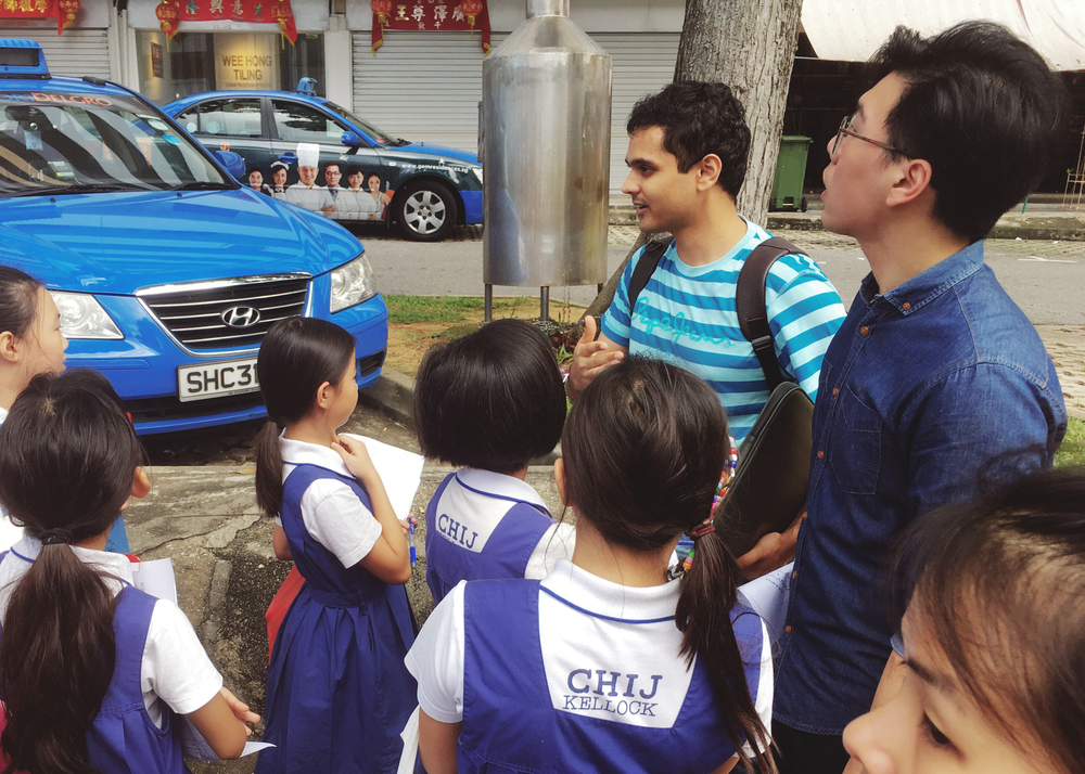 Ardy gives a guided tour around Jalan Kukoh. He was able to give the students observations from the vantage point of a more continued presence in the area