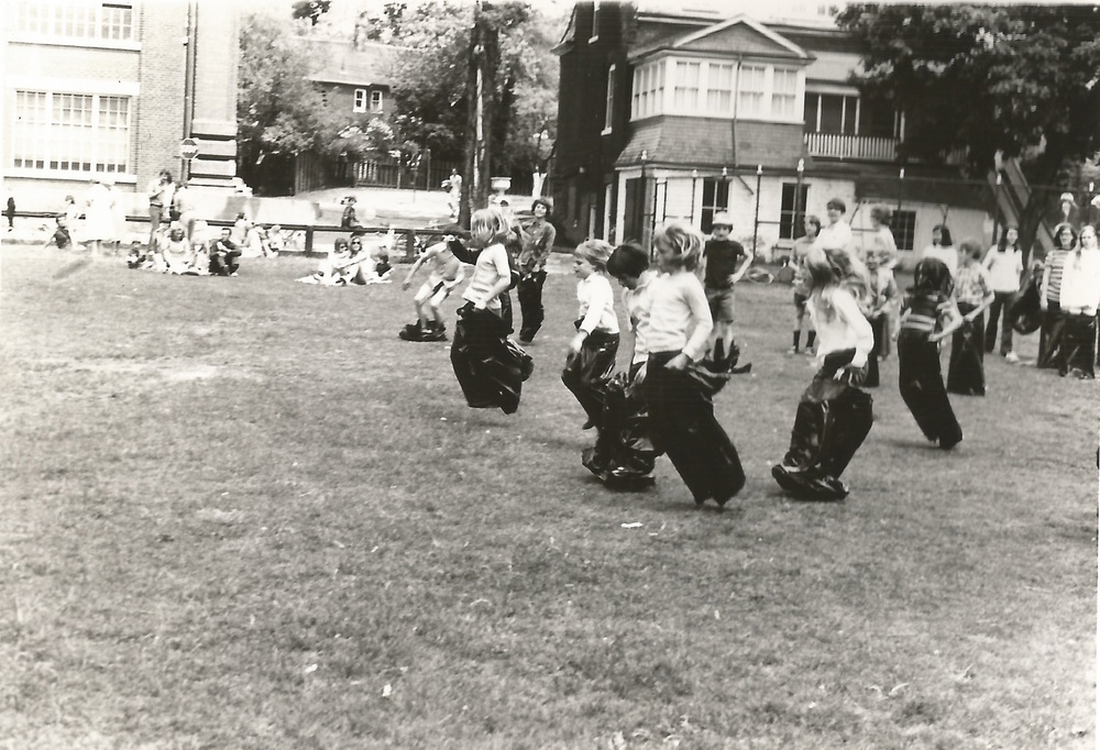 4-rathnelly-day-1970-sack-race.jpeg