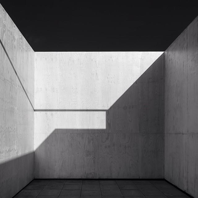 koenvandamme :     #golfclub #project #krefeld #bnw_mnml #mnml #architecturalphotography #archdaily #mies #miesvanderrohe #architecture (bij krefeld)