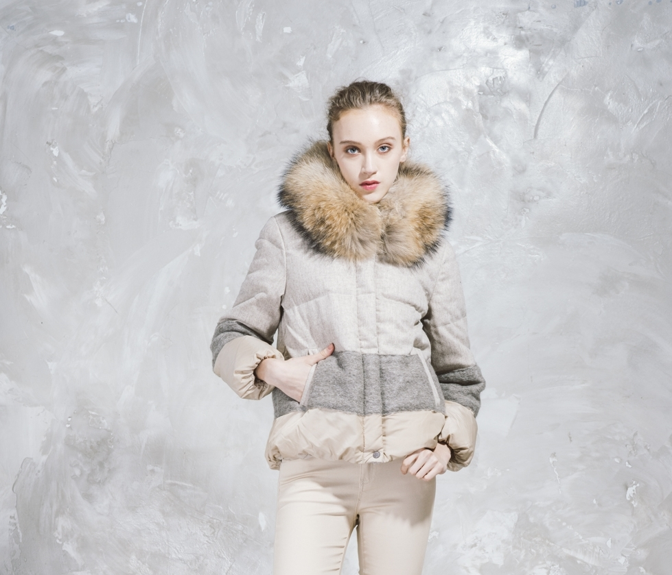 Short Puffer Jacket - Faux Fur Hood - Sandy Brown