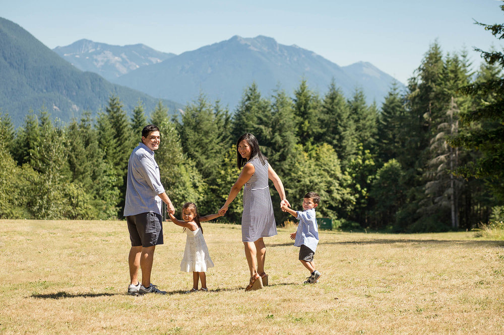 Outdoor Seattle Family Pictures