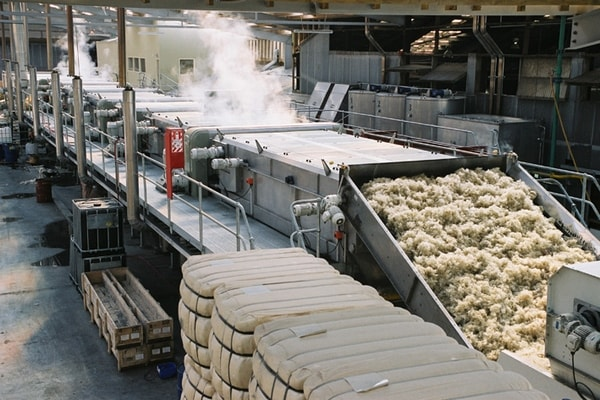 This is a modern version of a scouring train in a wool factory, but it's the same general cleaning method. Web photo courtesy of textilecourse.blogspot.com