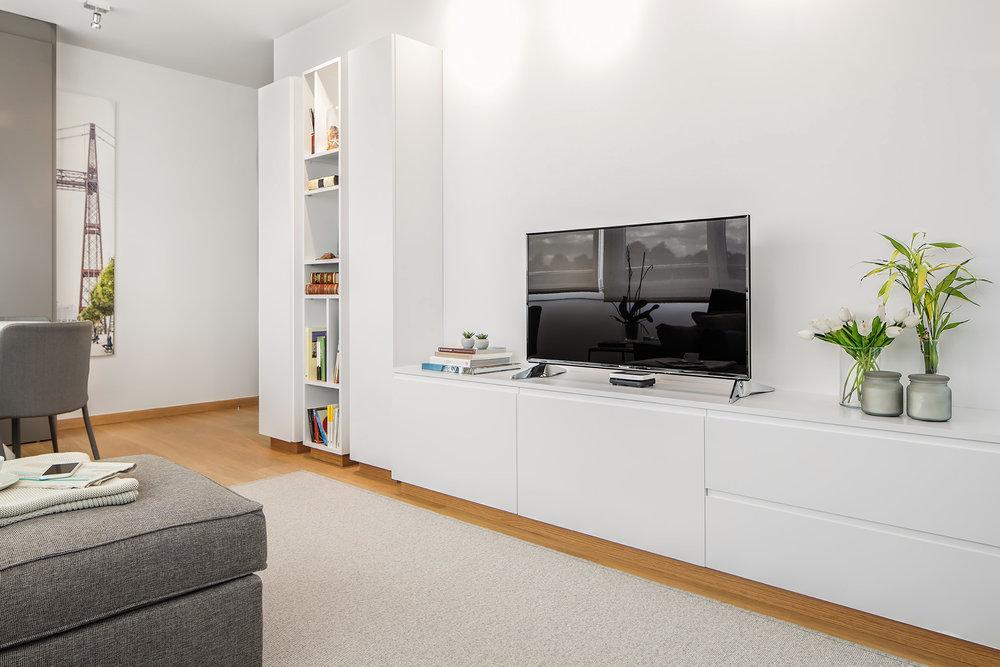 Detalle de carpintería realizada para el mueble de televisión