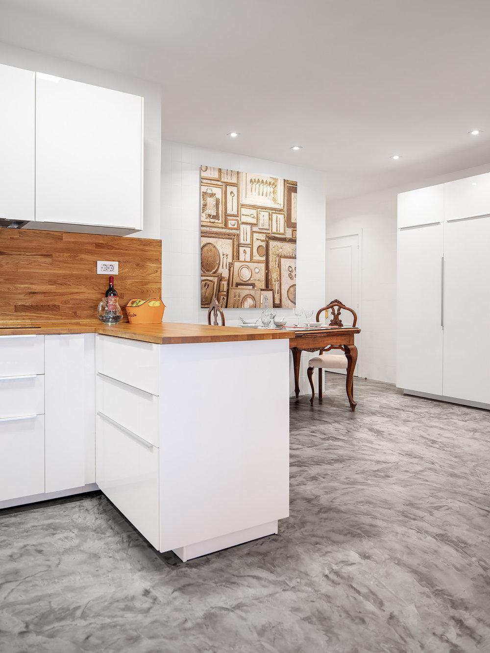 Zona de comedor integrado en la cocina en Proyecto de interioris