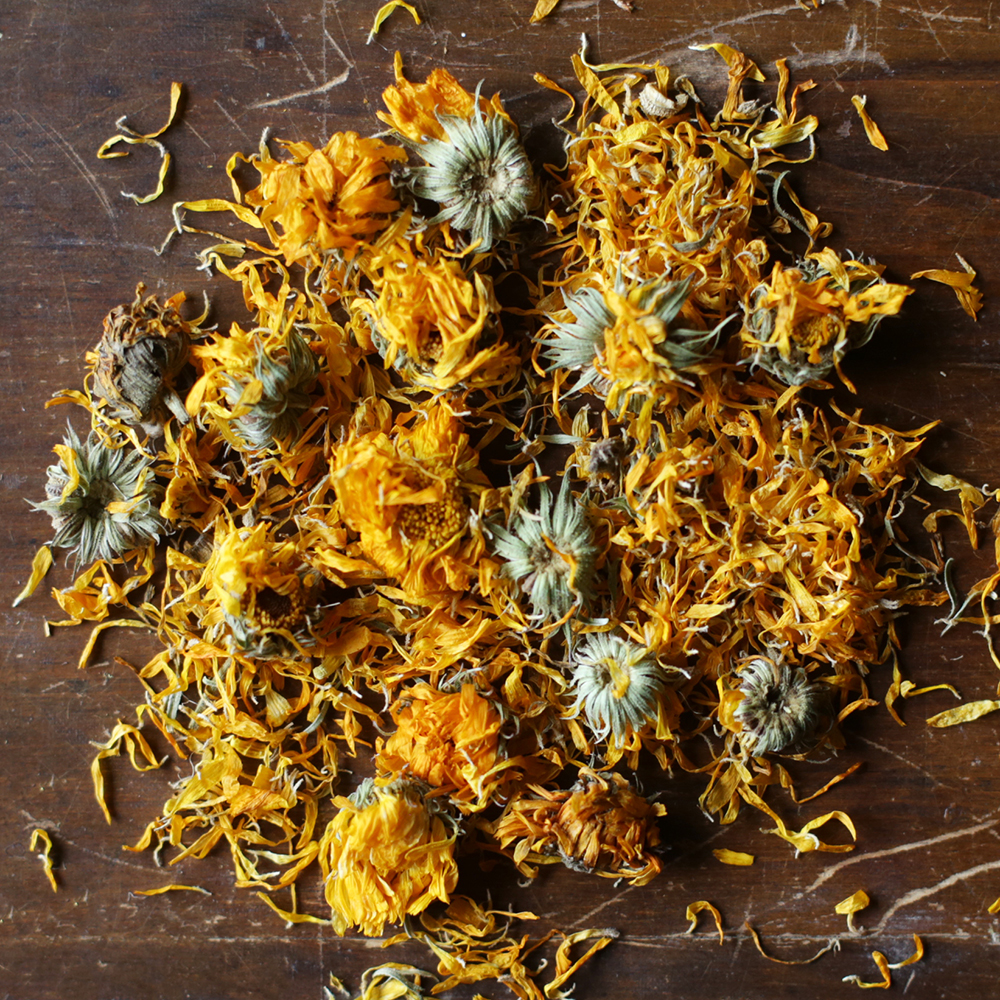 Calendula   a hint of pepper and spice, adding warmth of flavor