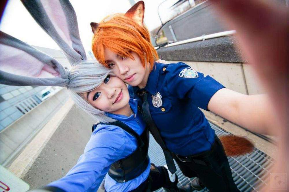 After an adorable couples cosplay photo of Nick and Judy went viral on facebook, the craze began as these inter-species lovebirds(?) have taken the couples cosplay world by storm.(www.aminoapps.com)