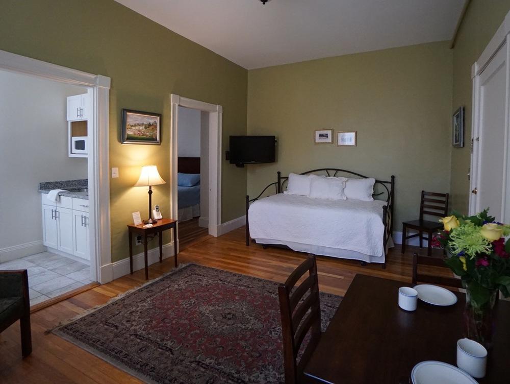 Room 12 #3 Salem.jpeg