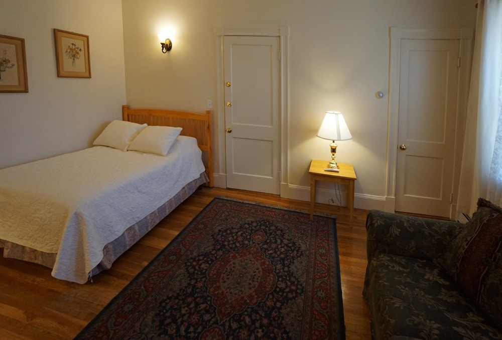 Room 16 front Salem Inn.jpeg