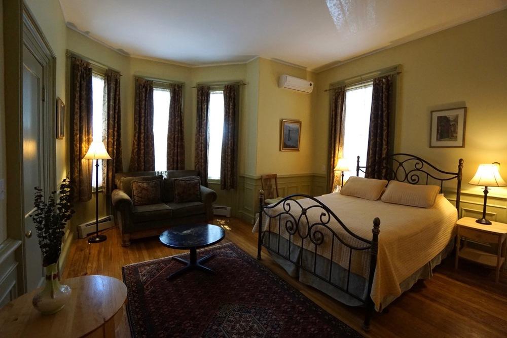 Room 13 Salem Inn.jpeg