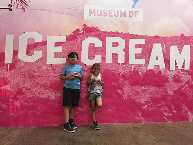 Art + Snacks = fun.  #art #moic #museumoficecream
