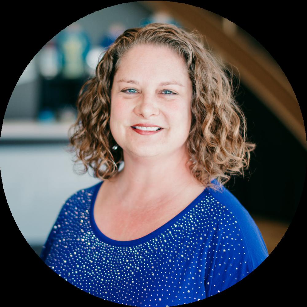 Anna Parker // Bookkeeper