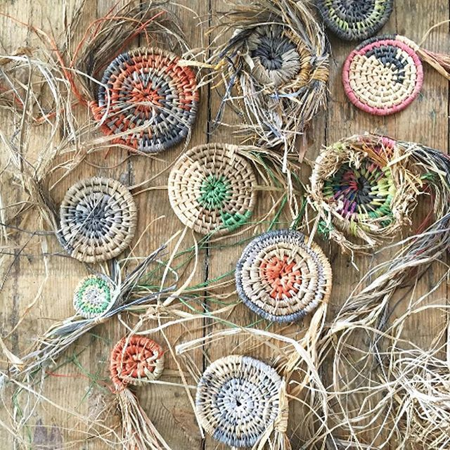Loved this pic following a Brooke Munro workshop last week. So cool to see how productive one weaving afternoon can be! 📷 @mrsbrookemunro