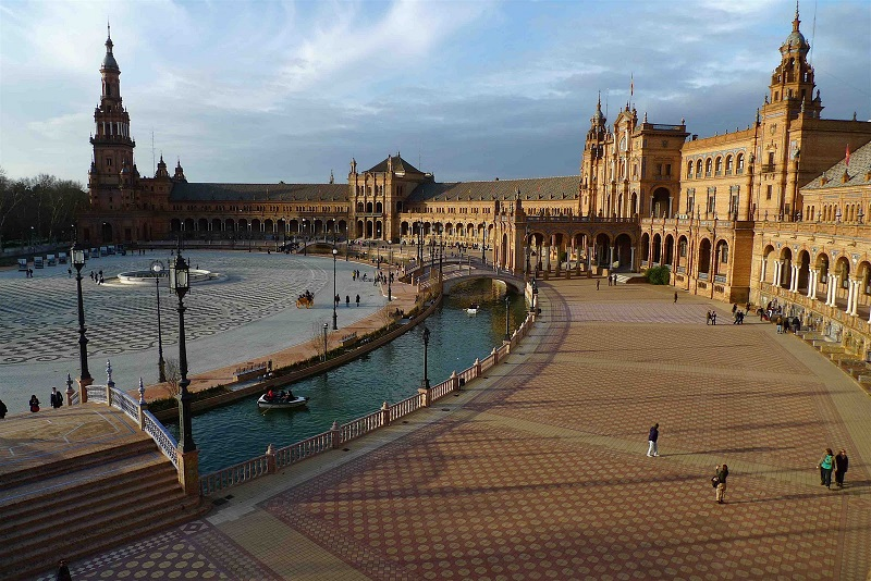 Guided tour to seville