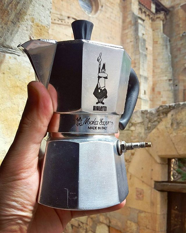Enjoying espresso a stone's throw from the old medieval Cathedral of Salamanca, Spain.  Found some more delicious beans too: Ethiopian roasted by @rightsidecoffee from @hansocafe in Madrid.  #coffee #caffeine #espresso #crema #bialetti #stovetop #mokapot #bike #pump #cycling #melbourne_coffee #startup #innovation #salamanca