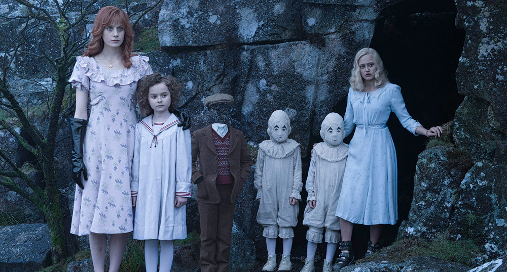 MISS PEREGRINE'S HOME FOR PECULIAR CHILDREN22.jpg