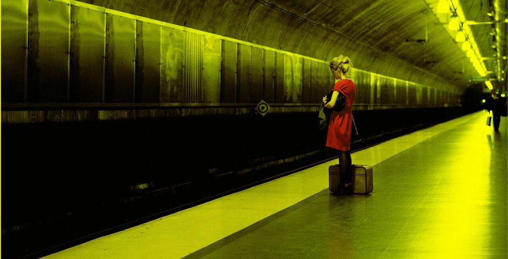 Foto: Palgrave Macmillan. Nora, Train station II, Oslo. From Nora's story directed by Jules Wright, photographer Thomas Zanon-Larcher. The Wapping Project London, October 2006 - February 2007 (Source: Copyright Thomas Zanon-Larcher, 2016).
