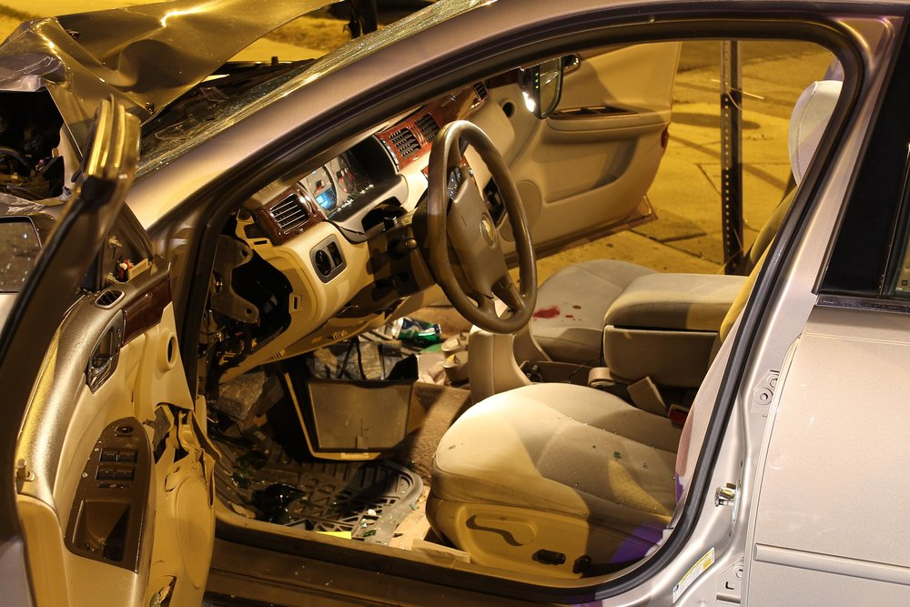The interior of this vehicle shows that even in a significant wreck, the airbag did not deploy.