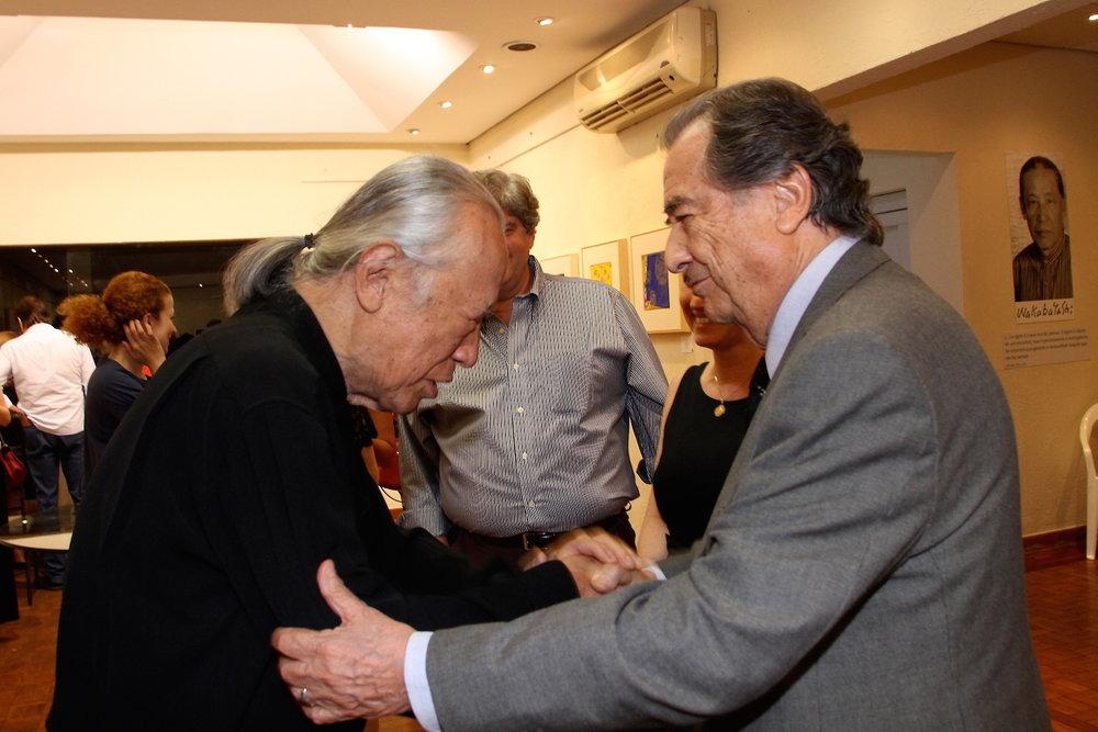 Wakabayashi e o presidente da SOCIARTE José Oswaldo de Paula Santos