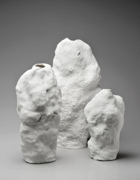 Snow-Vase-by-Maxim-Velcovsky-5.jpg