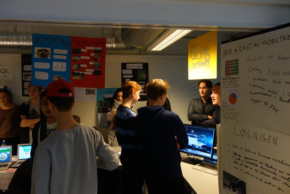Stort engasjement da elevene presenterte ideene for hverandre. Se flere bilder lenger ned i saken.