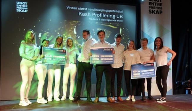 """Sweetpads ble premiert med en andreplass i kategorien """"Beste ungdomsbedrift"""". Kash Profilering UB fra Frederik II vgs stakk av med førsteplassen."""