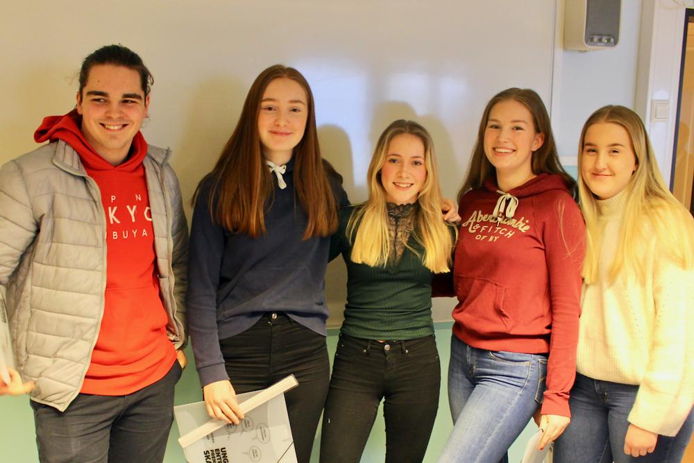 Gruppe 3 f.v.: Petter, Siril, Andrea, Linnea og Elise