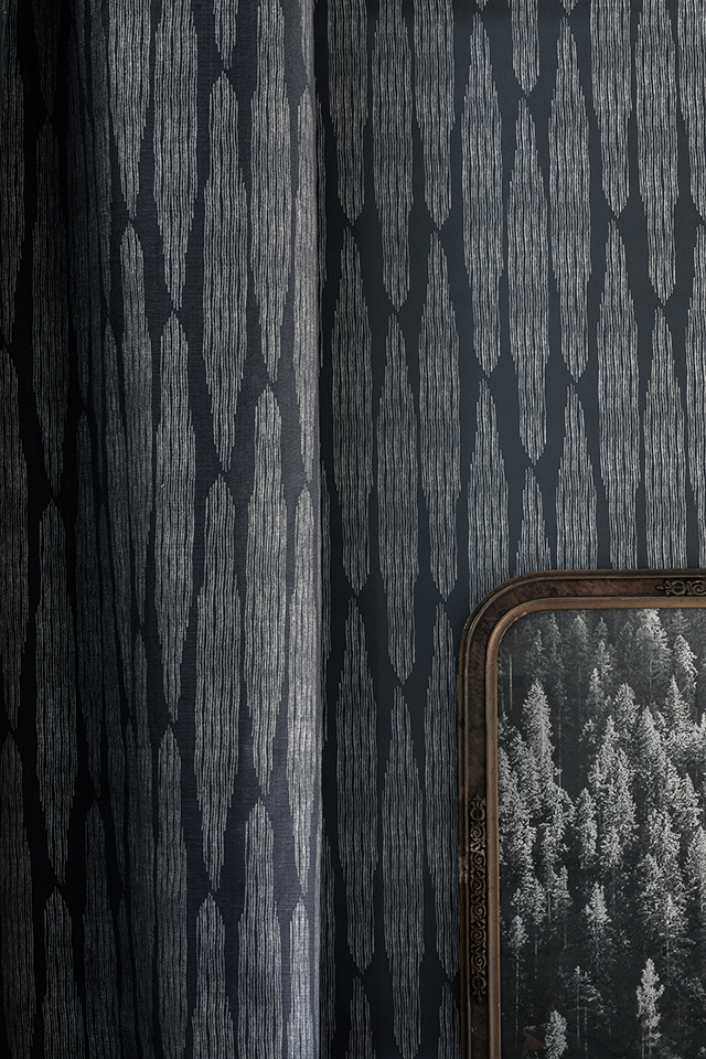 FAYCE_Pines_charcoal-linen-wallpaper.jpg