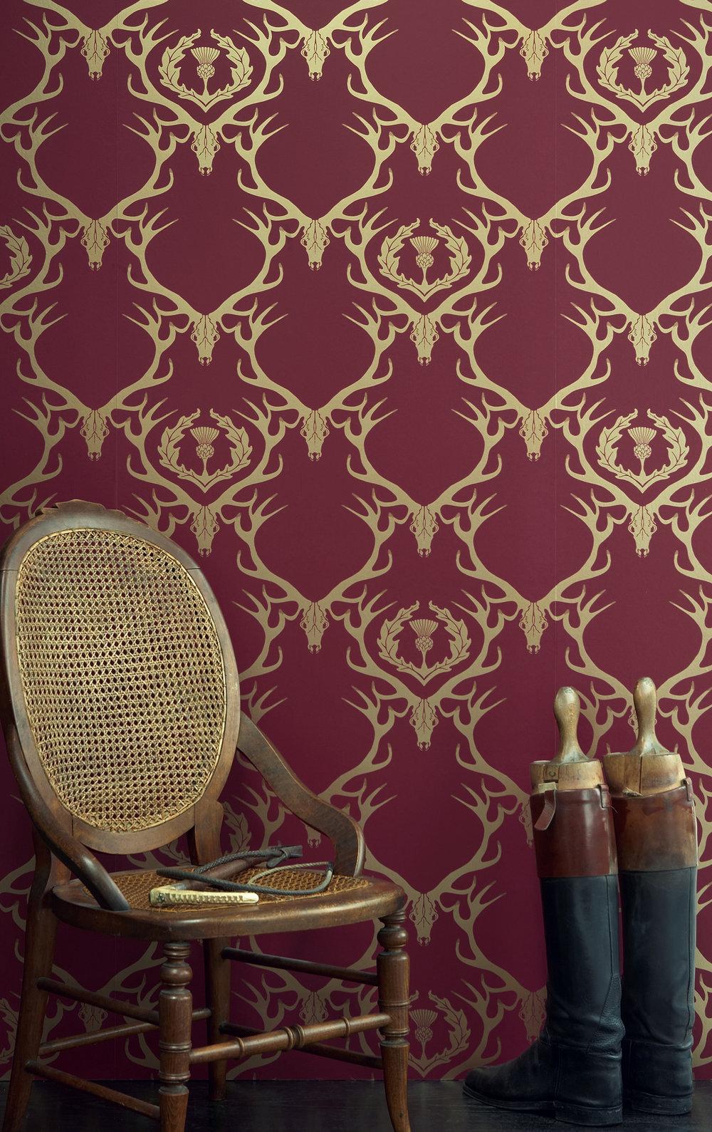 Barneby Gates Claret - Gold - Set Shot-2.jpg