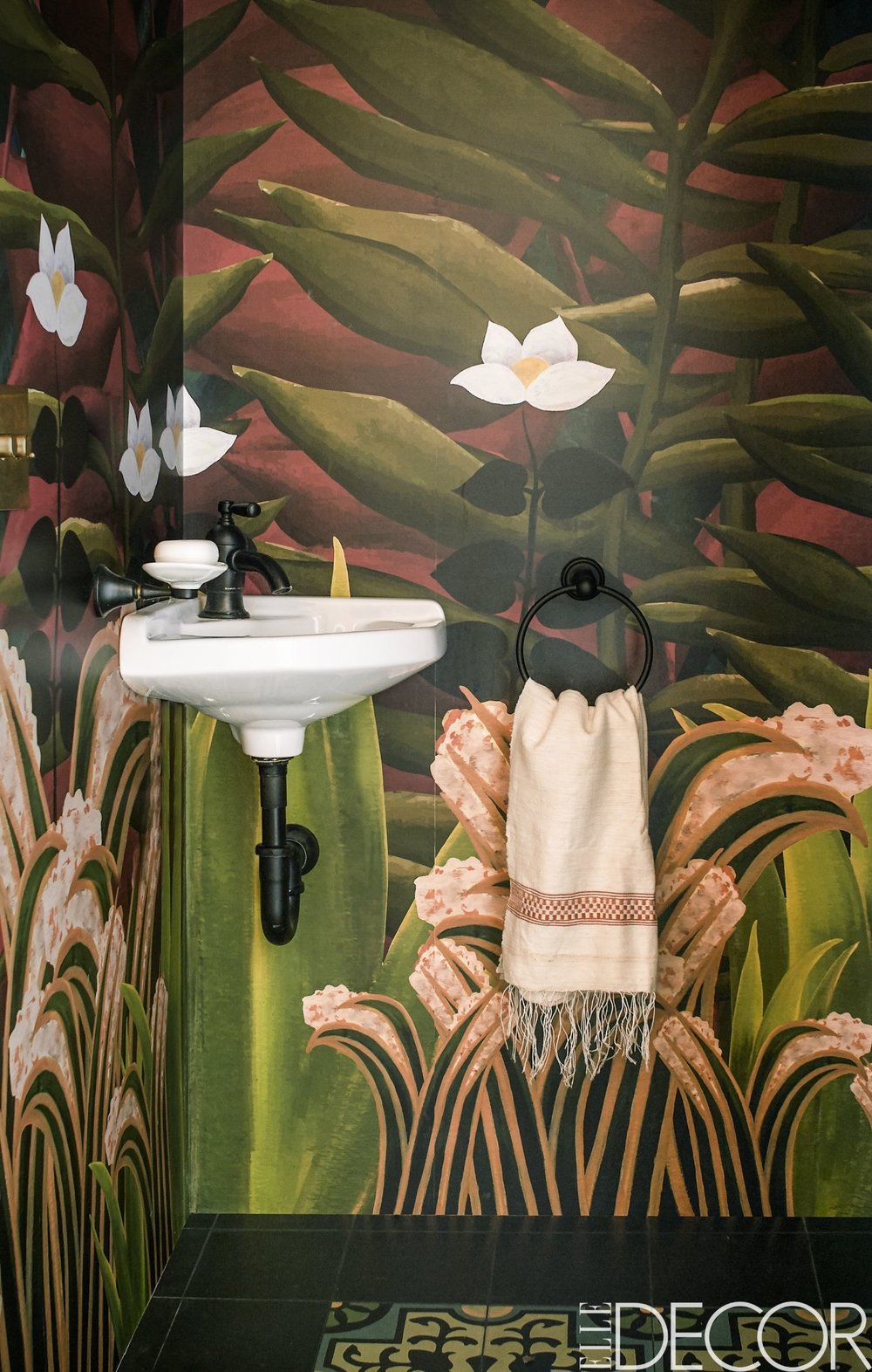 elle-decor-west-village-home-bathroom-1492019356.jpg