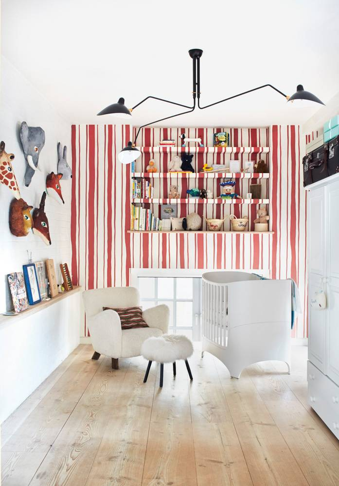 a-modern-london-flat-filled-with-art-and-major-style-red-and-white-kid-s-room-58c8222ffd8437749f4dea19-w1000_h1000.jpg