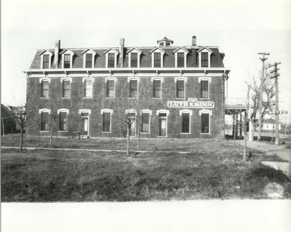 016 -1916 Lutherinn hotel.png