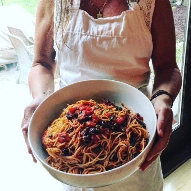 Spaghetti putenescca using Cervasi Spaghetti.