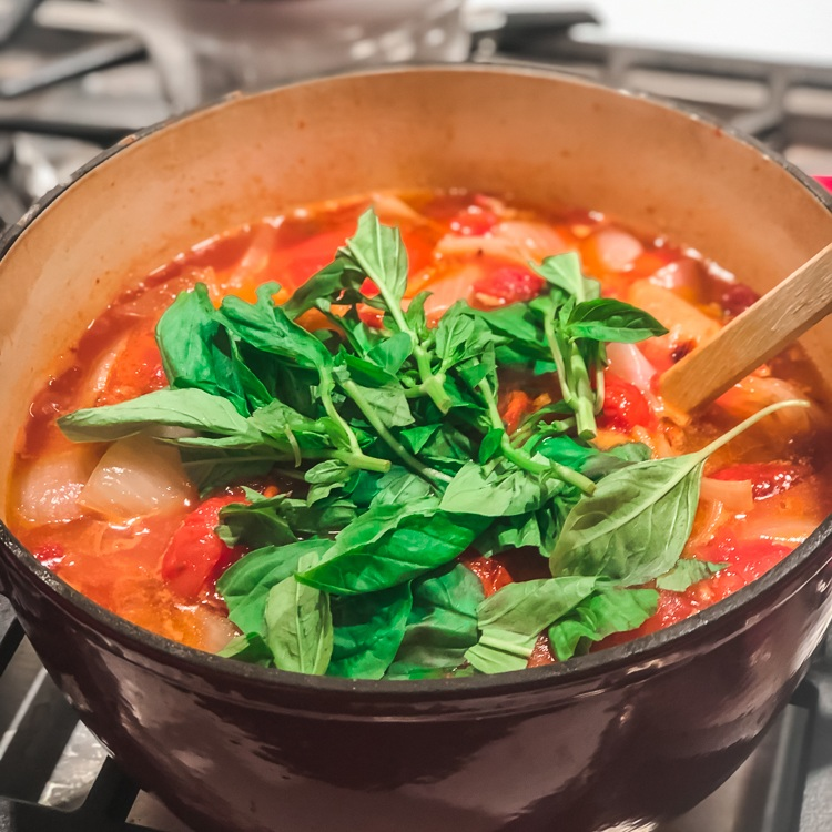 Easy roasted tomato soup