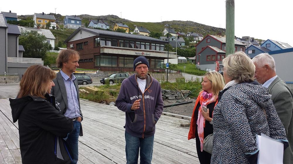 Elisabeth Aspaker norges fiskeri minister på besøg hos Norwayguidefishing