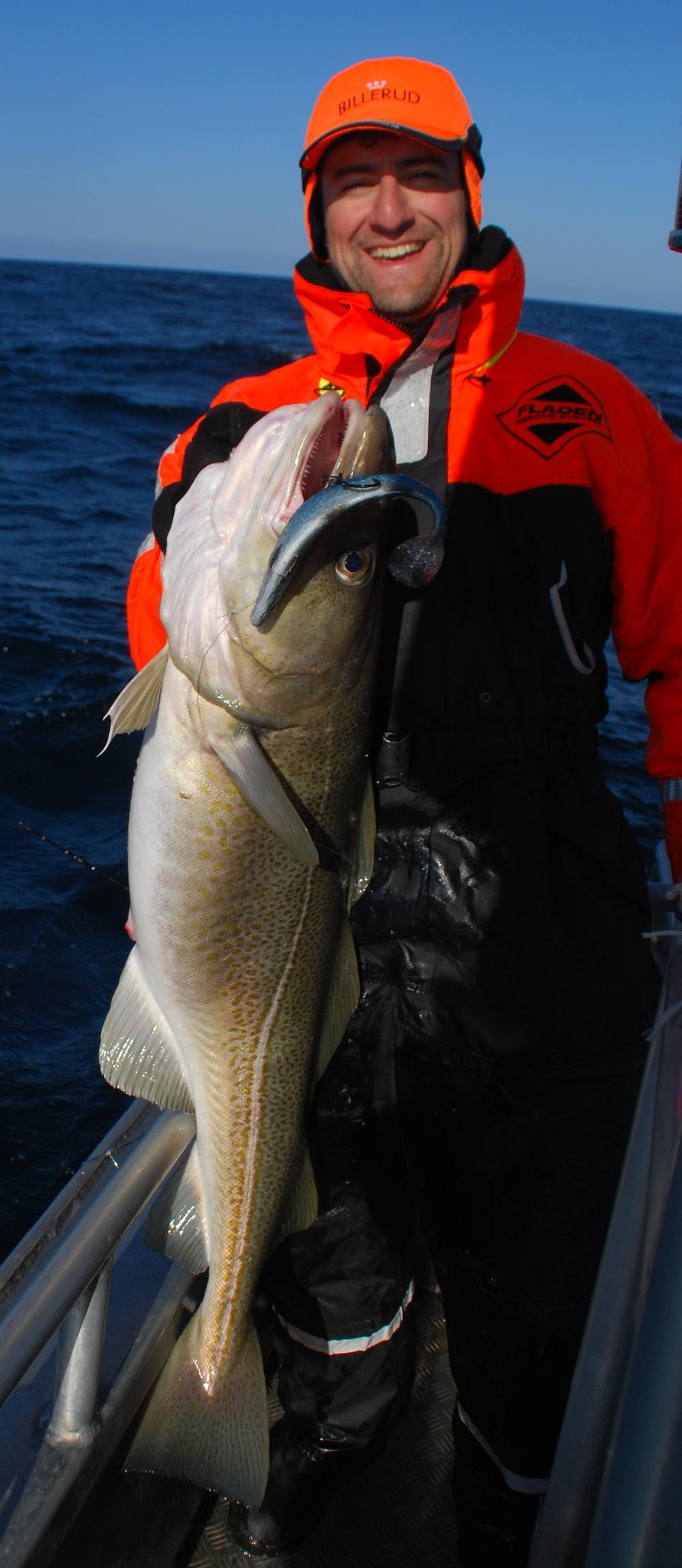 Rafael med torsk fanget på SG 3d herring shad