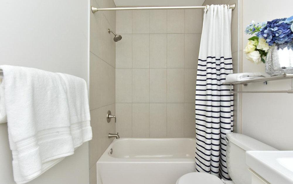 Bathroom_4835KansasAveNW_houzz.jpg