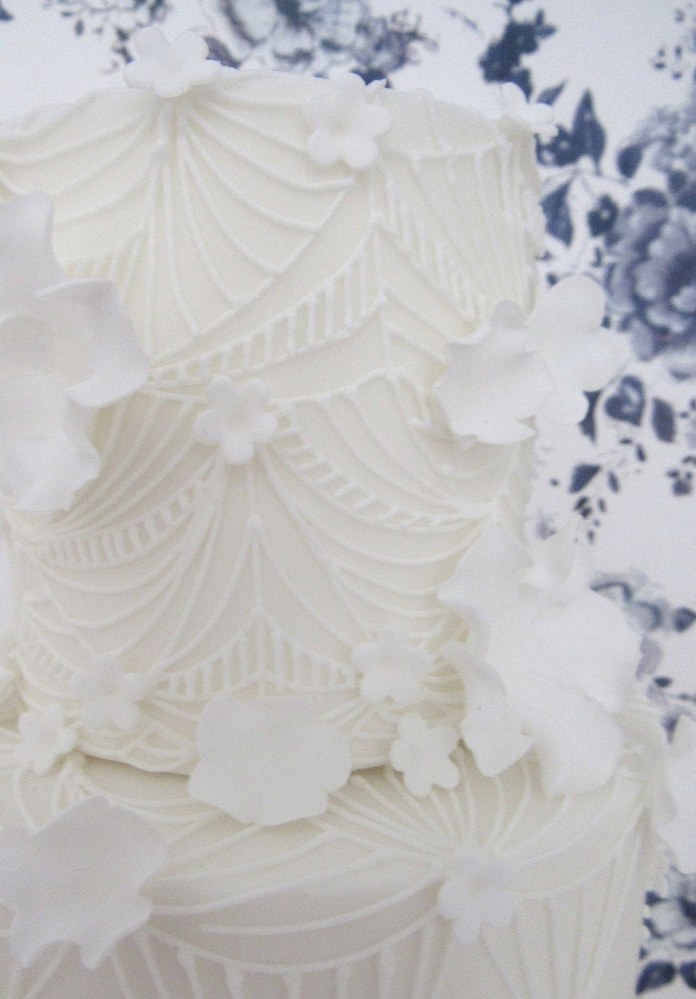 Geometric Lace White Wedding Cake - close up