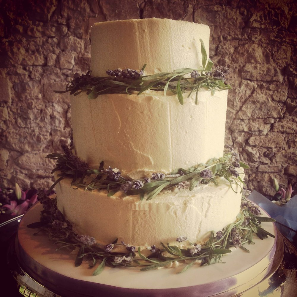 Matt+Ari-Lavender-Wedding-Cake